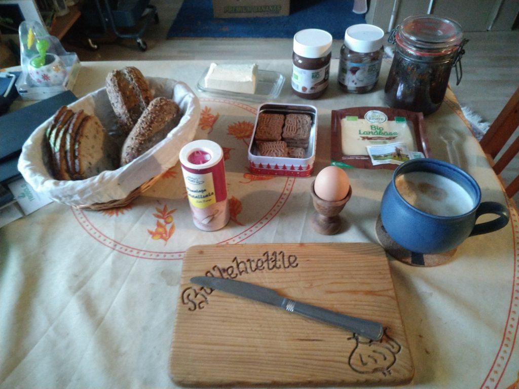 Frühstück am Tag Q+9